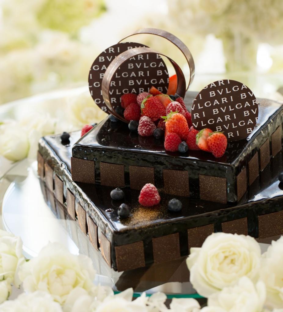 HE繝輔y繝ュ繧ッ繧吝相遏・逕ィ逕サ蜒・Wedding cake_cioccolato---
